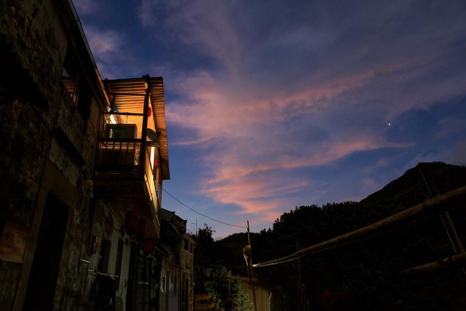 """黄山这座古村与世隔绝,自驾无法抵达,被称为免费的""""天上村子"""""""