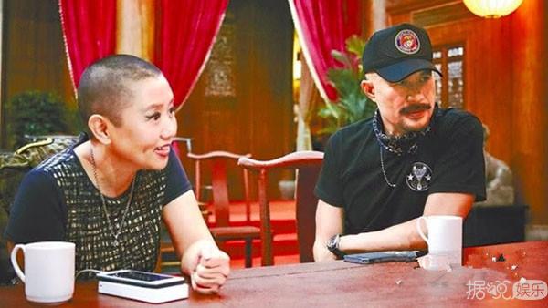 會演戲畫畫自黑又寵妻,難怪教的兒子能成為韓國女性情人