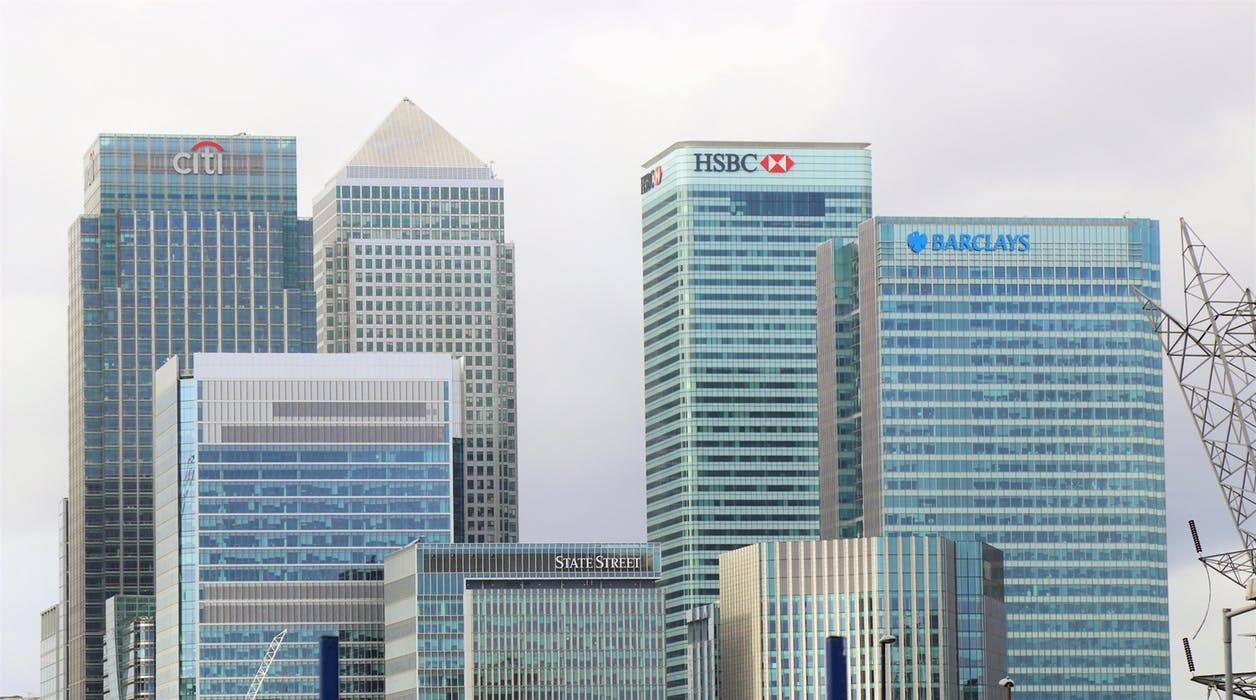 前10月房地产开发投资增速继续回落,楼市未来究竟该怎么看?