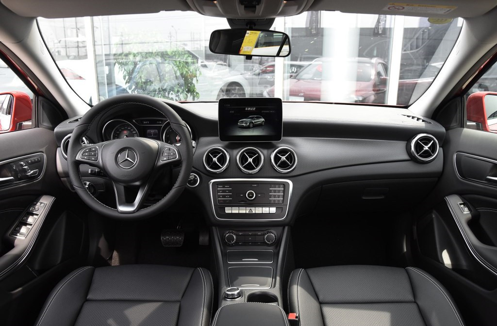 最便宜奔驰SUV标配主动刹车轴距比奥迪Q3还长