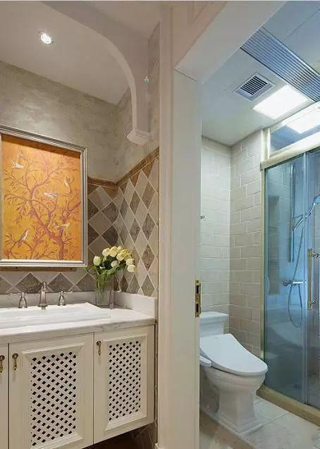 家庭装修中,简单实用美观的卫生间装修效果图
