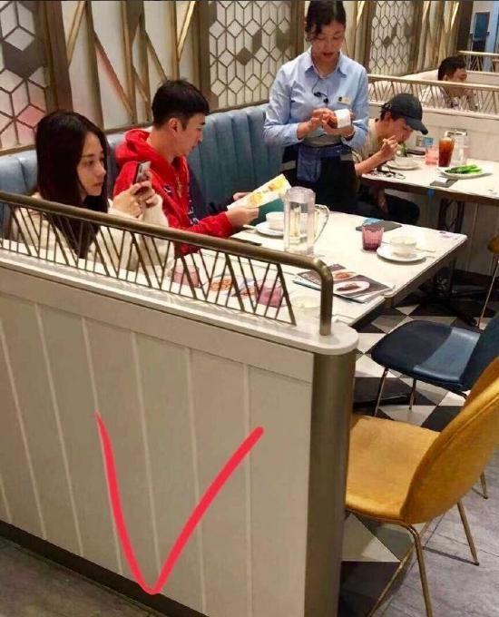 前几天还和陈雅婷逛街,今天就和焦可然吃饭,王思聪又换女友了?