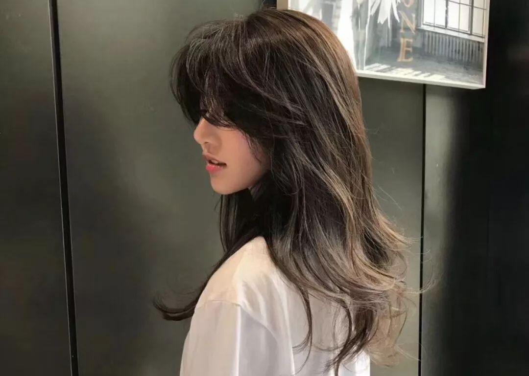 2018年秋冬最火的发型来了!选得好超显脸小显气质!