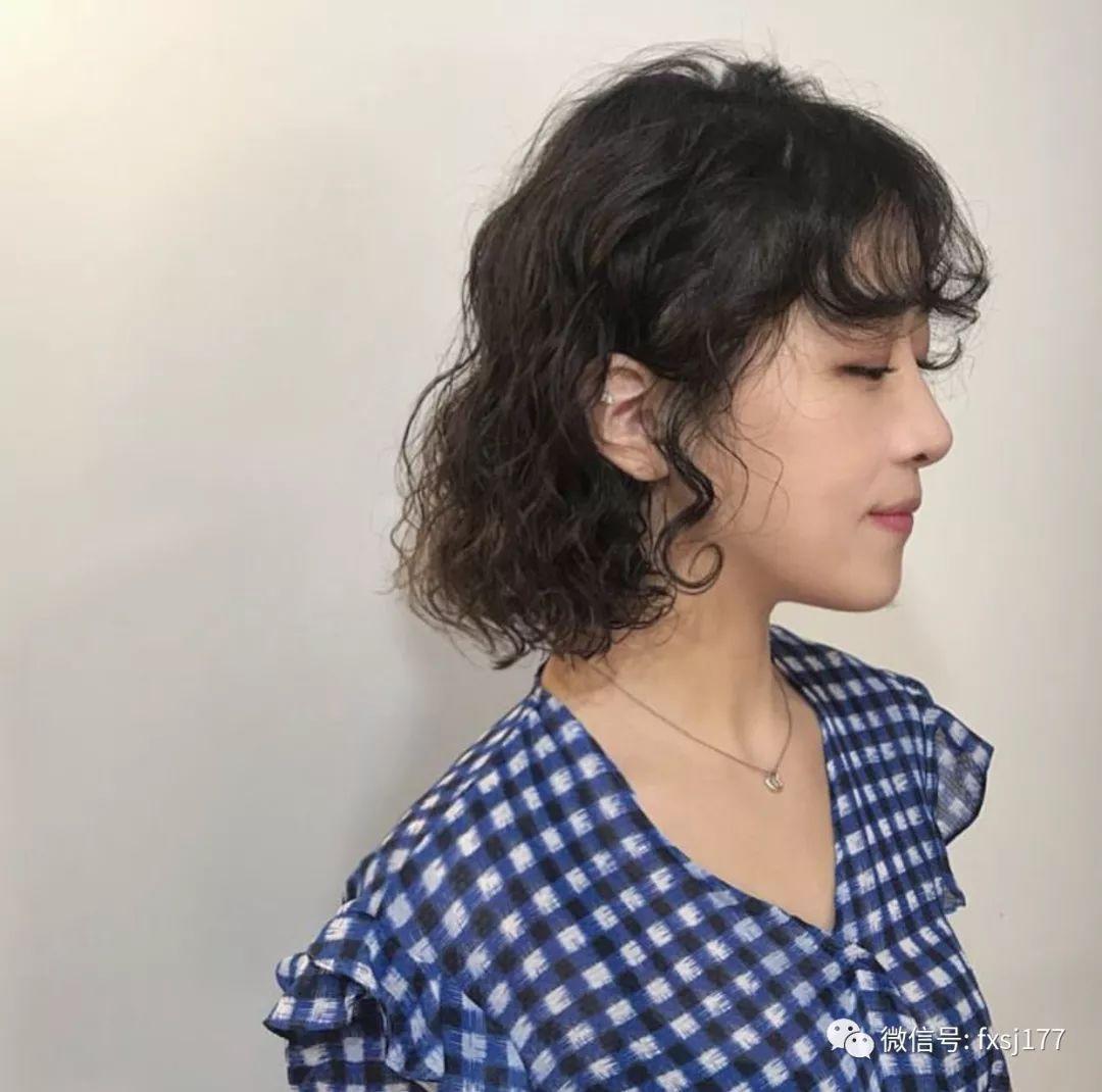 不喜欢太短的短发其实这个长度刚刚好,学生妹跟初入职场的妹子也非常图片
