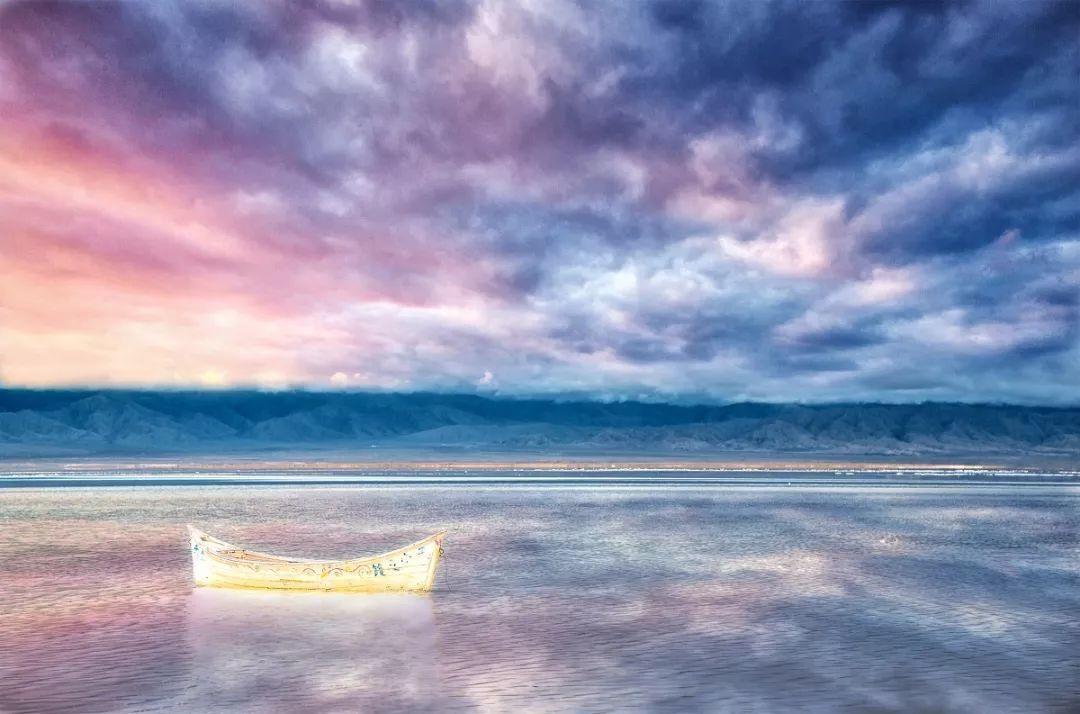 色粉云朵 风景