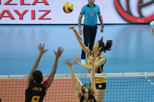 四连胜!朱婷率队新赛季持续强势发挥,女排队长在欧洲神一般存在