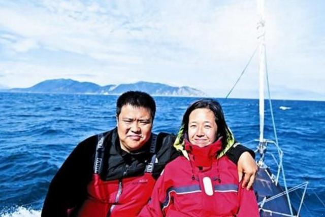 """中國最""""瀟灑""""的夫妻游客,8年用光上億家產,環球一趟反賺2億"""