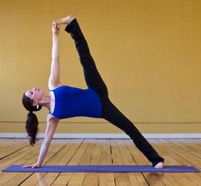 减肚子必知4个瑜伽动作