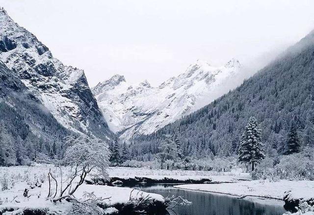冬天进藏来这里,景美人还少