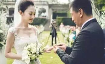 那些承諾過你若未嫁我便娶你的明星中,只有他們做到了