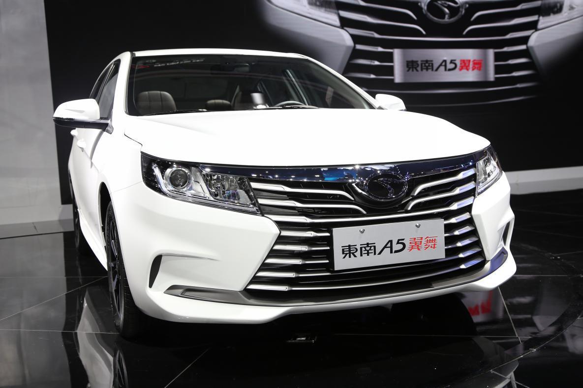 全铝发动机四轮独悬这辆价格还不到5万元的新车值得买