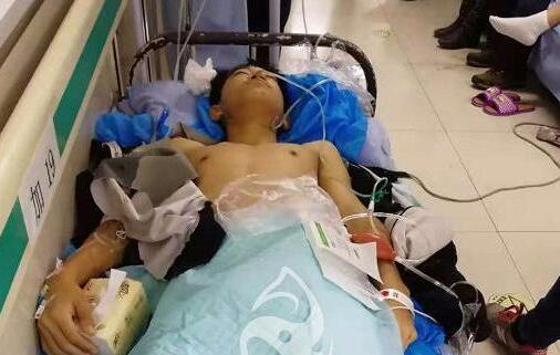 感人!哈尔滨八中一学生遭遇车祸 全校师生倾力捐款