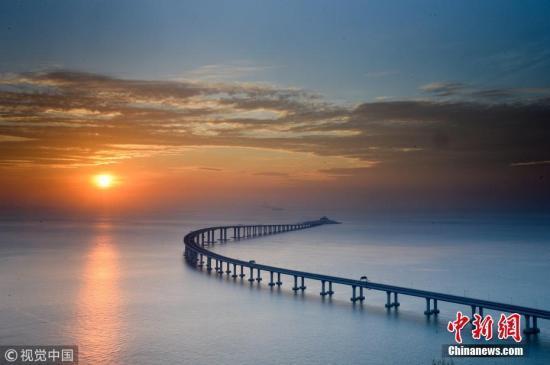 港珠澳大桥激活区域物流效应 港澳物流省时60%