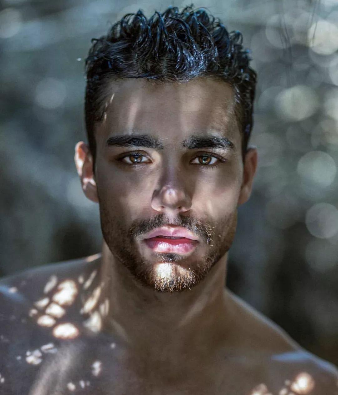 91e6e9752af2409782045b8f043976d8 - 撞脸Liam Payne?以色列先生Arielben Attar