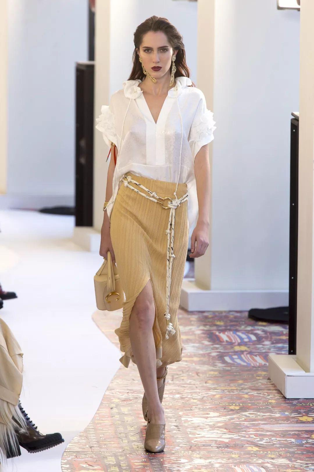 教你轻松变身职场时尚精——如何在经济能力有限的前提下,穿出衣服的丰富感?