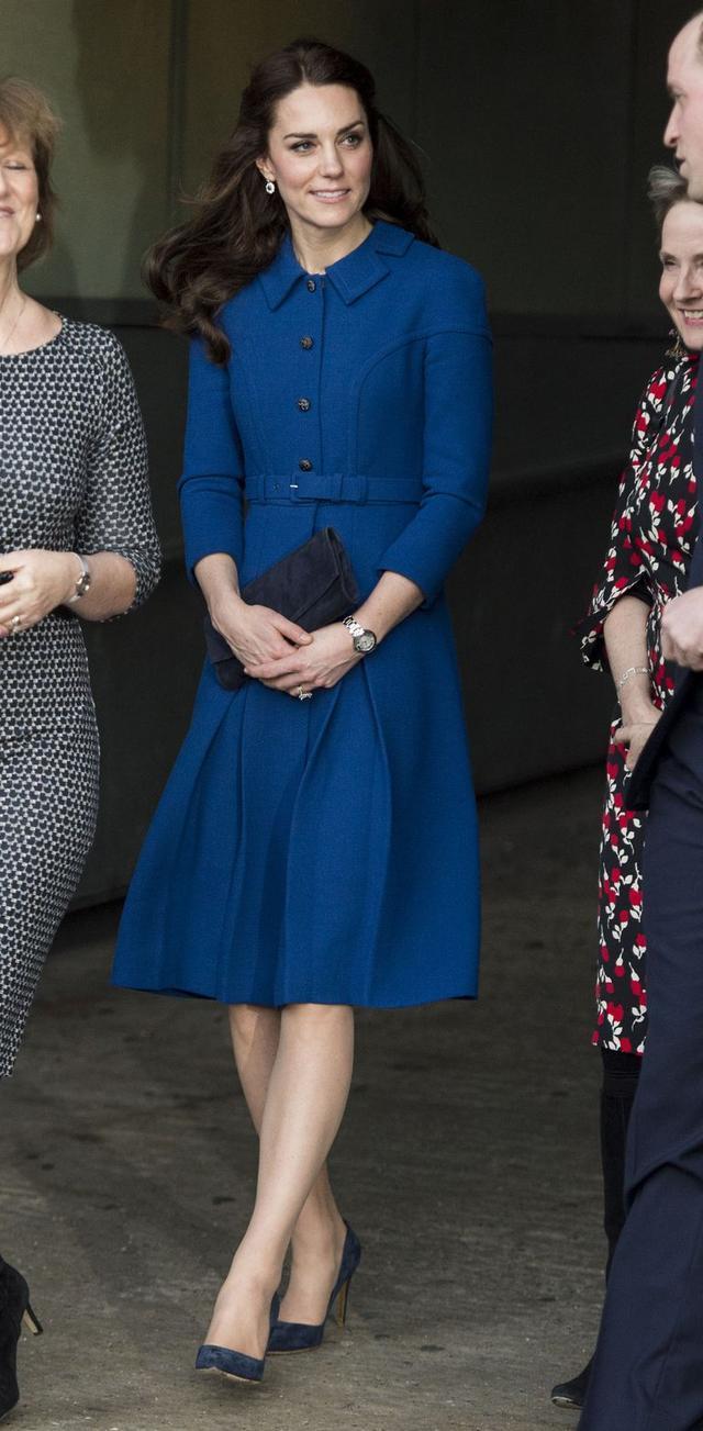 马蓉要向英国王室妯娌凯特梅根学习颜色魔法,蓝色着装利人际关系