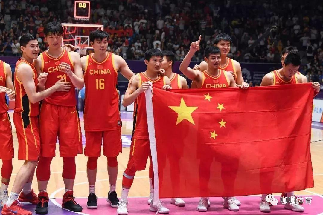 中国男篮集训名单_中国男篮最新名单出炉 李楠执教对手球员最多_教练