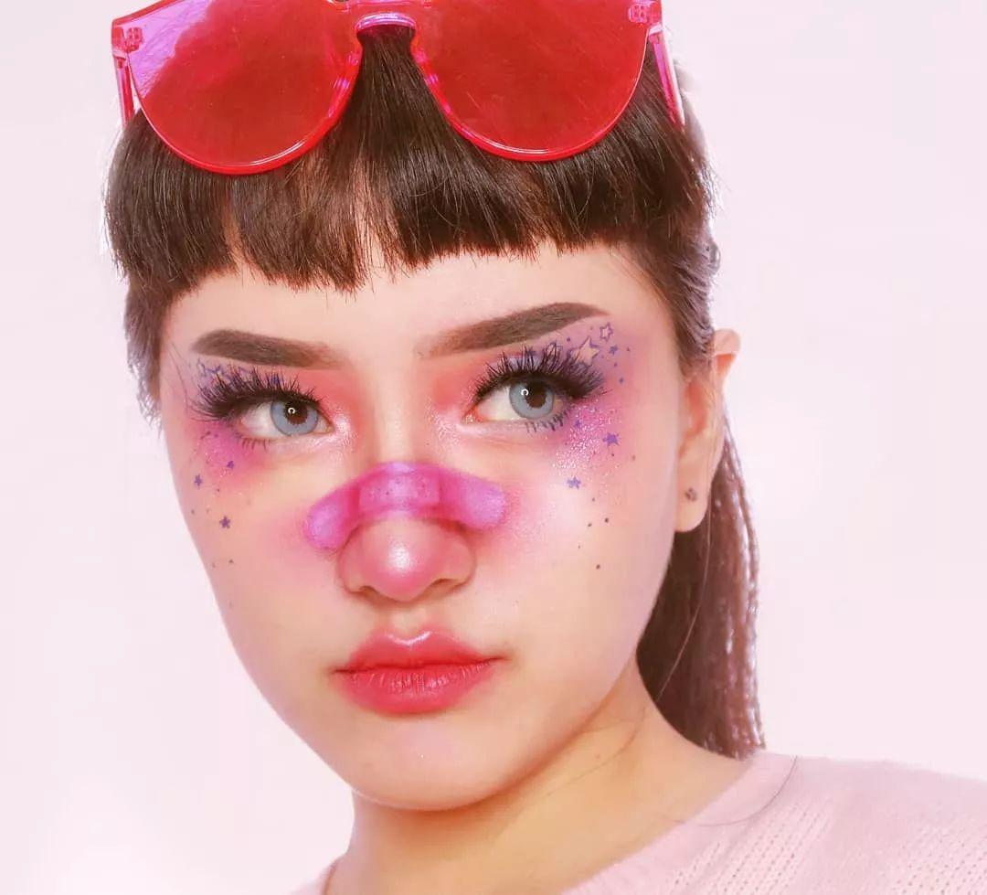 赏析 韩国美妆博主njiecw的创意妆容