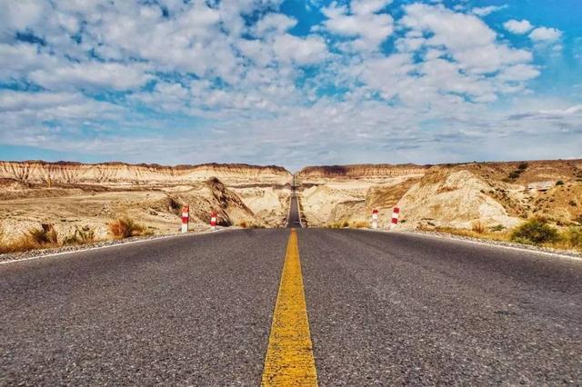 中国最贵的高速公路,穿越无人区