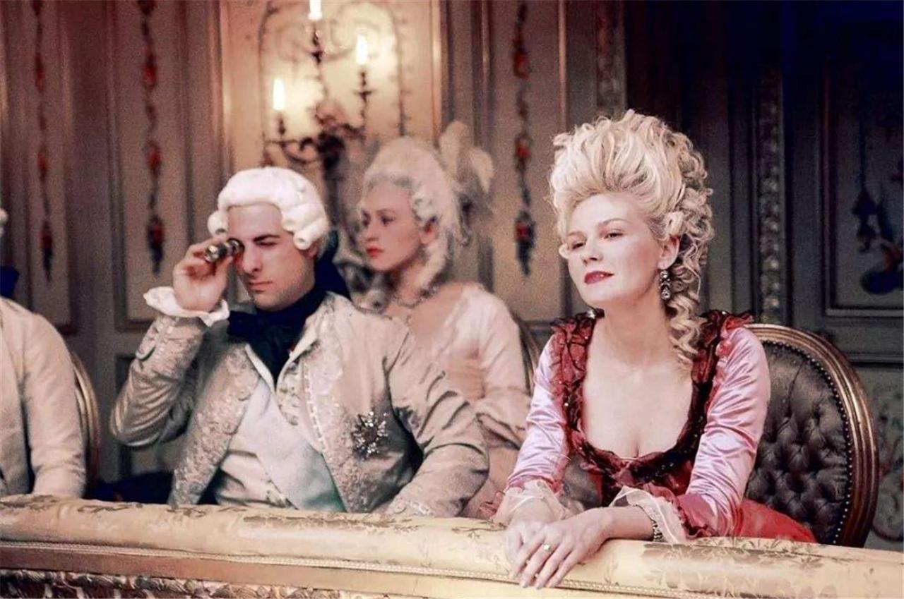 当年的她是法国王后,却被人斩首示众,说了句让人感慨的话