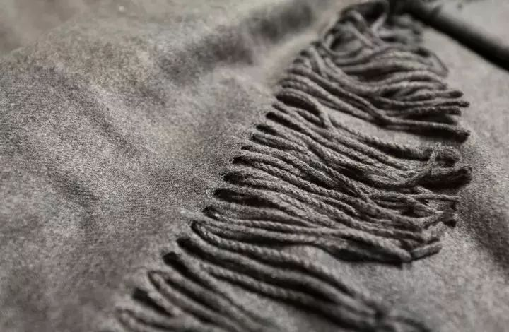仅需四招 教你巧用过季丝巾(全文)