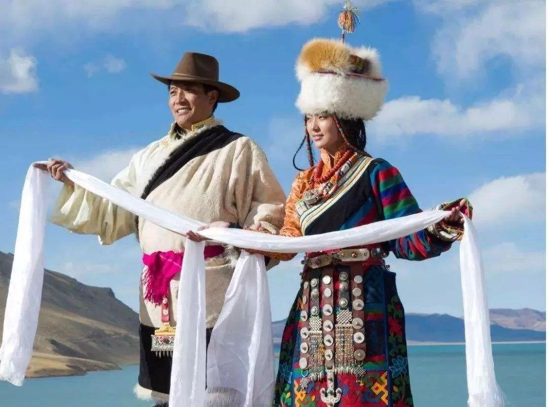藏袍很多,从皮面花纹上可分种类,教程,衣服,素布等,质地氆氇装饰很f240l线锦缎刷图片