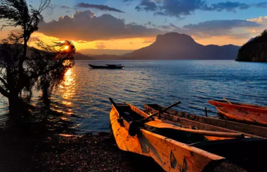 泸沽湖人口_泸沽湖 那一片圣洁流心底