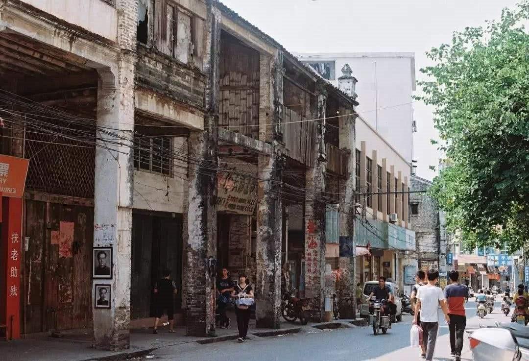 五环外巨兽洗白指南:家国情怀与农村包围城市
