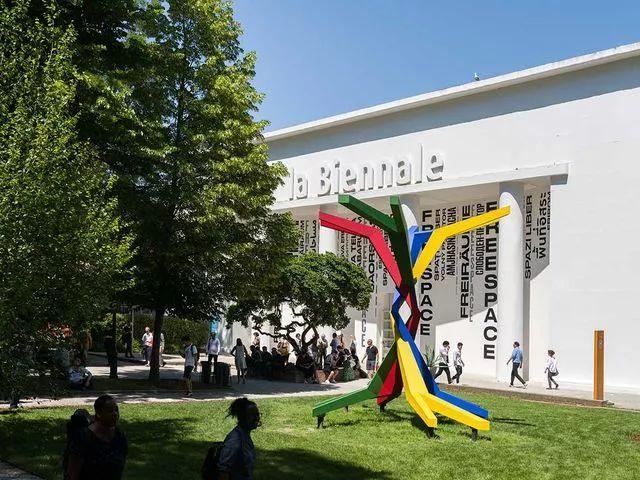 旅游正文威尼斯双年展在奇数年(如20132015)为艺术双年展在偶数