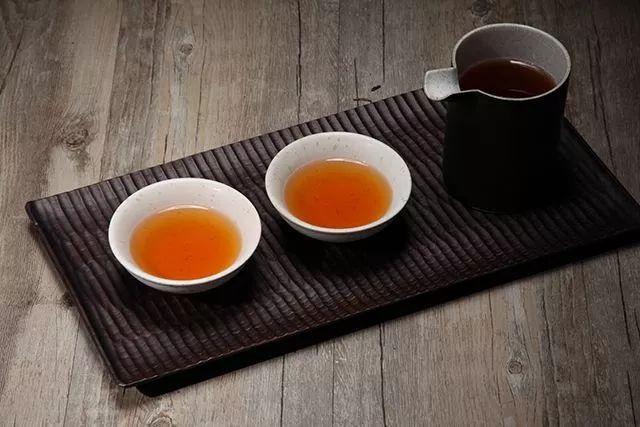 胃溃疡可以喝红茶吗图片