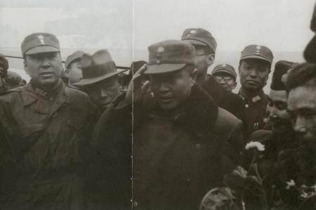 杨振宁获诺贝尔奖后 岳父杜聿明写信祝贺 信中只有两句话