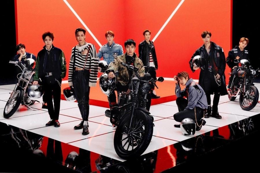 韩国sbs人气歌谣exo_EXO到中国拍团综了!数十辆追车场面混乱_台湾