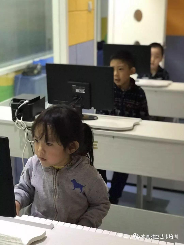 智能钢琴从兴趣入手让孩子喜欢弹钢琴