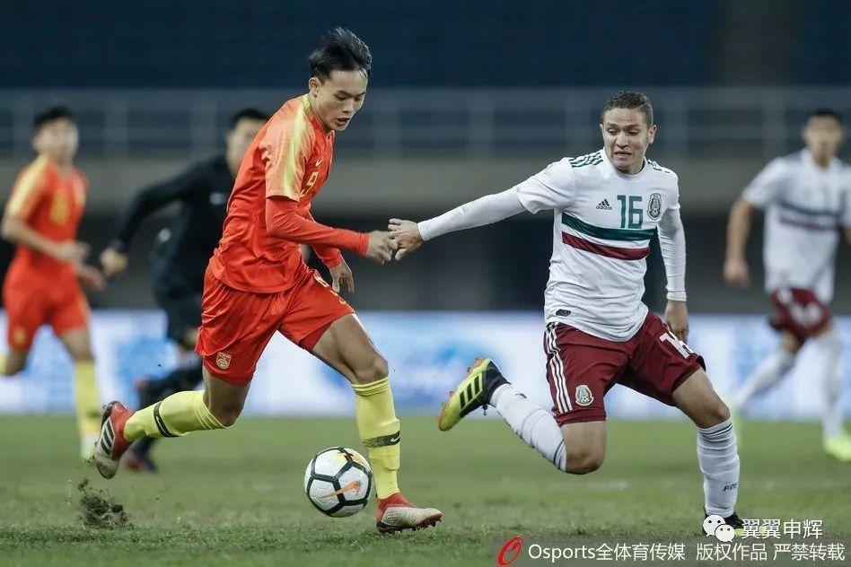 两场两球 刘若钒惊艳四国赛 成国奥队最大发现:希丁克给我很多鼓