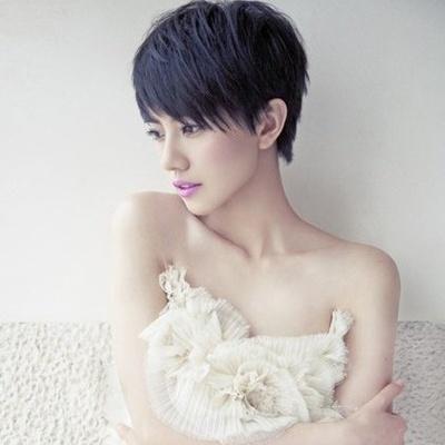 女生短发蘑菇头 彰显个性完美打造瘦脸发型图片