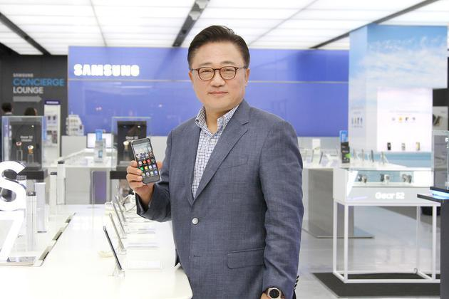 三星手机CEO承认陷入危机 欲通过Galaxy 10和可折叠手机渡过难关