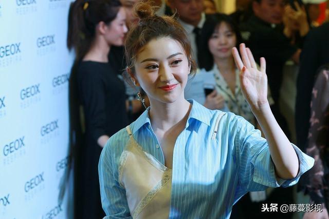 指甲刀排行榜_中国女演员票房排行榜前十,第一名破100亿,也就一部电影的事