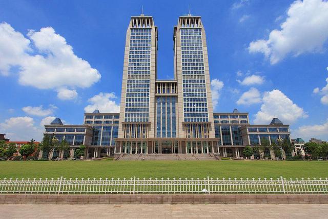 中國的前5名大學到底是哪幾所?第一第二眾所周知,第三一直換
