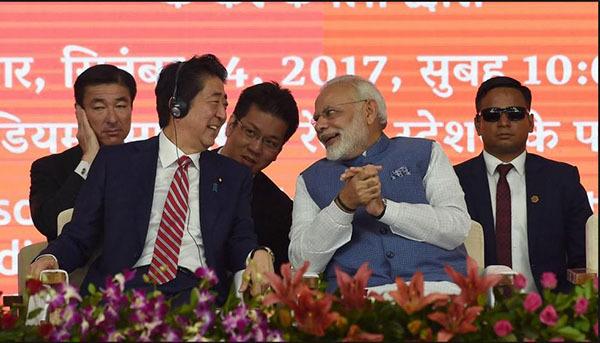 印度学者批莫迪造高铁:国家这么穷,只有富人买得起票,纯粹是虚荣