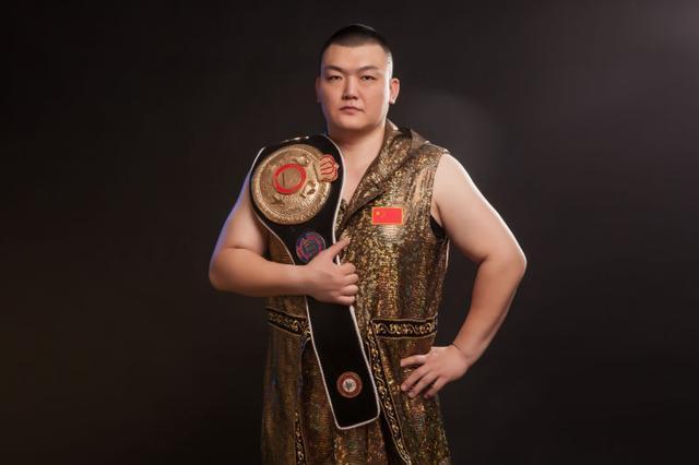 张君龙捍卫亚洲拳击第一人荣耀,三大优势助龙王冲击重量级王位!