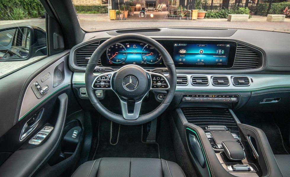 2020年奔驰GLE是一款更加智能的中型SUV聪明的技术使这款车型不再