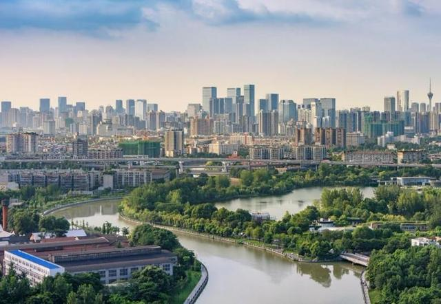中國人口超過千萬的五座省會城市,環境優美,有你喜歡的城市嗎