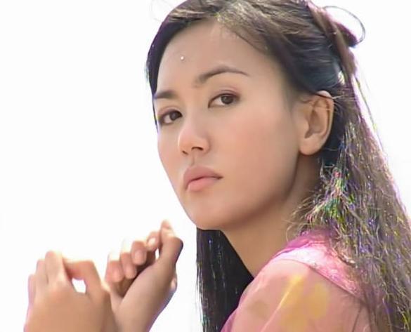 新加坡三美:范文芳情路顺遂,郭妃丽嫁富商,她性格刚强