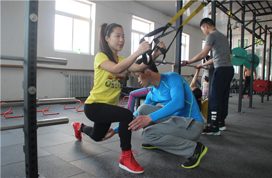 私人健身教练与健身教练的区别?两者该怎么选