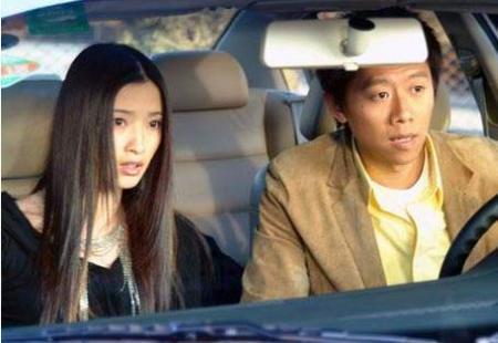 影帝徐崢兩次都捧不紅,嫁外國老公恩愛14年,今40歲卻似少女