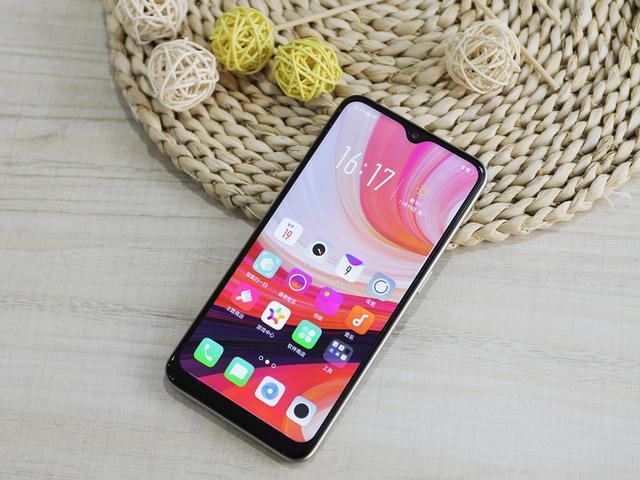 OPPO A7评测:千元价位的最有时尚范的手机
