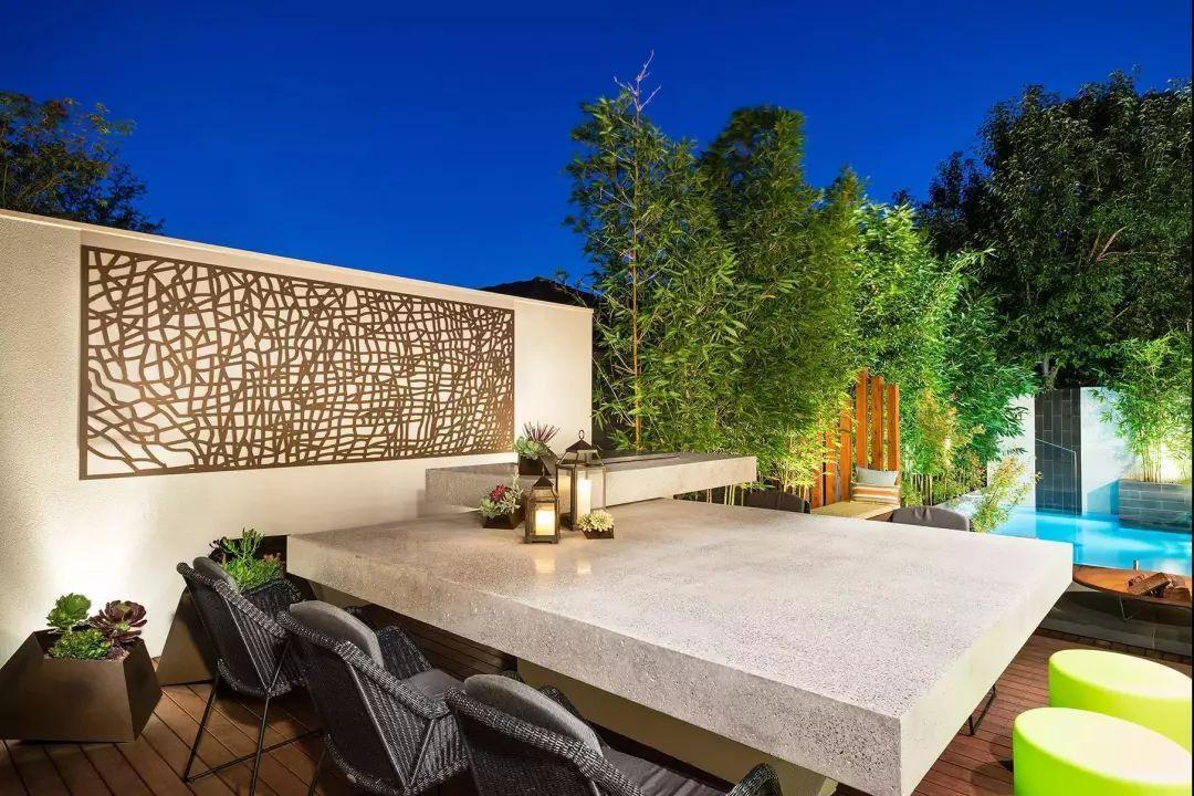 夜晚来临别墅的结合下光与影享受着室外别墅灯光泳池辉映自然的南部庭院昆明图片