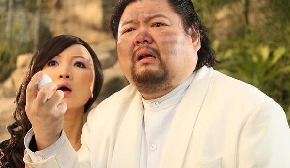 黃渤搭檔去世,留下1980萬元房貸,妻子為其還房貸每天只吃一餐