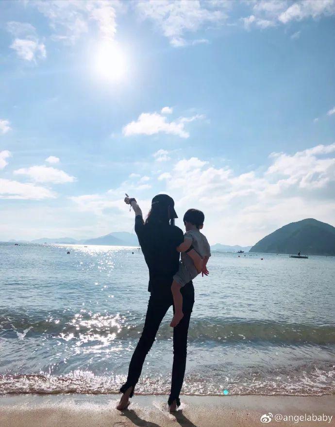 baby曬小海綿近照嚇壞網友:1歲身高像4歲!黃曉明表白破婚變傳聞