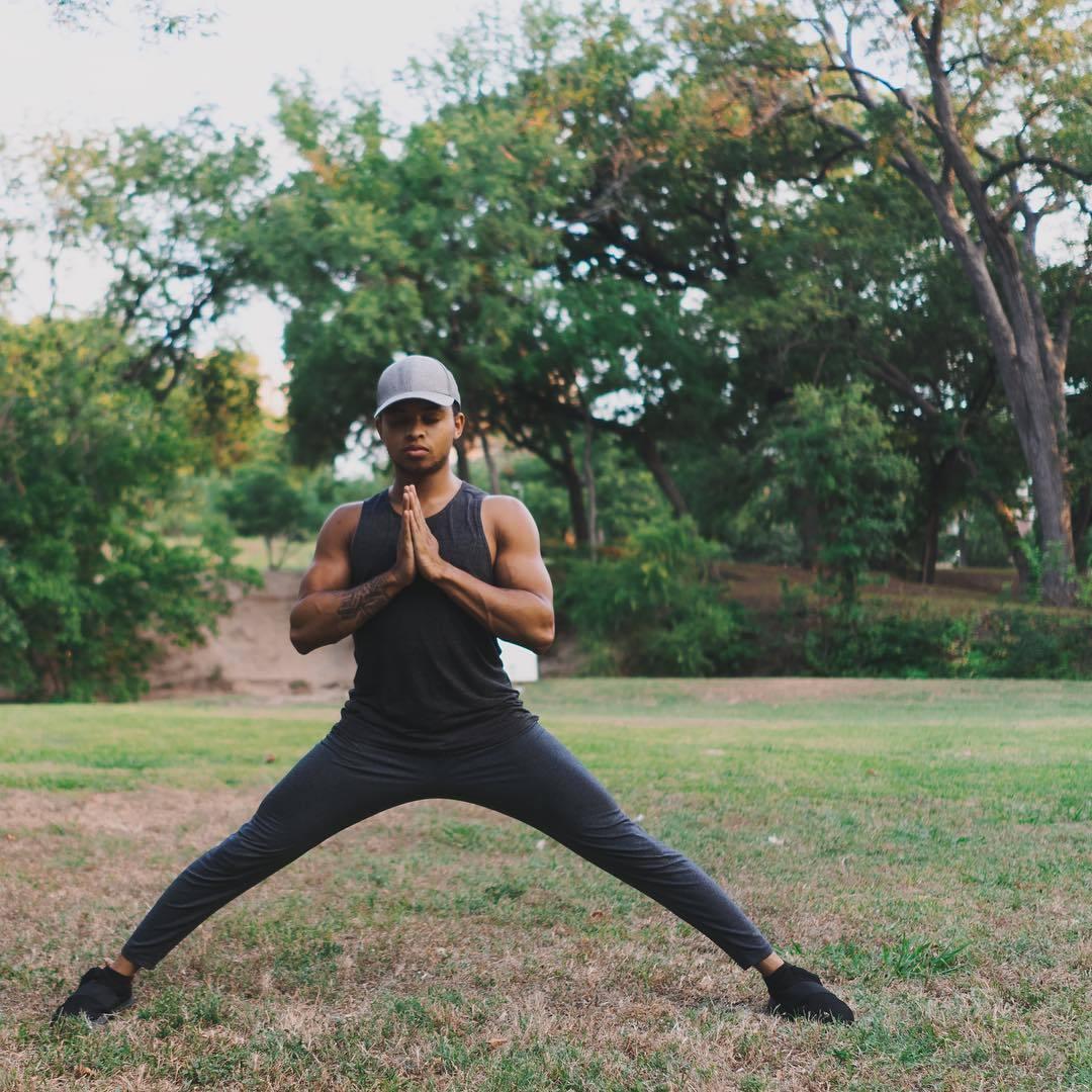 """""""适合男性健身的十二个瑜伽体式""""的第7张图片"""